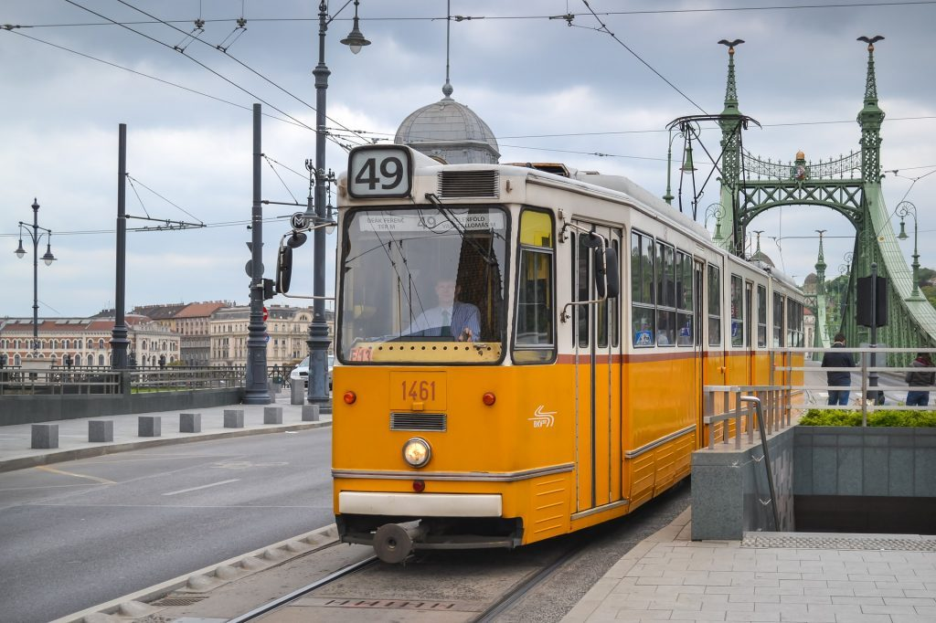 Electric-tram-and-train-Hungarian-invention-1024x682